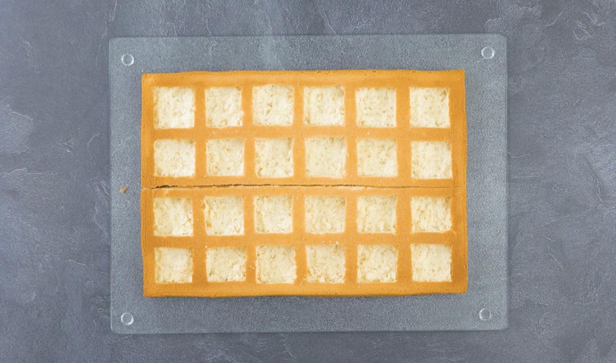 corte 12 quadrados em cada massa