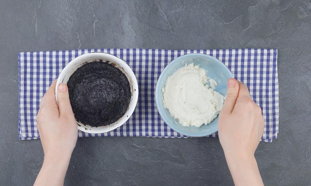 separe o recheio do biscoito