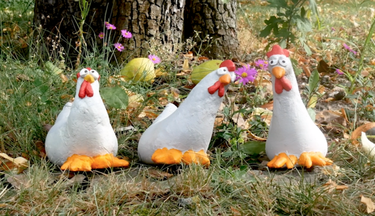 galinhas decorativas para jardim