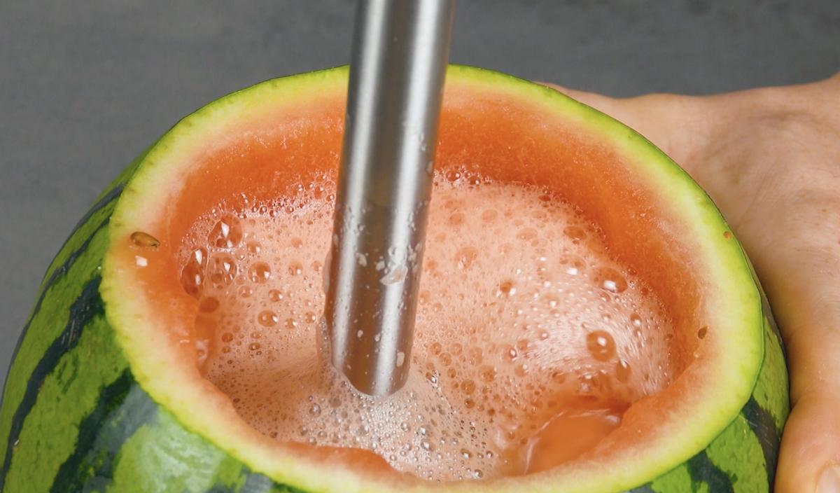 triture a polpa da melancia