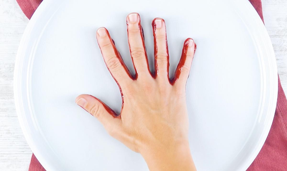 mão com calda